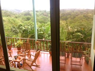 Spacious House with Garden and Short Breaks Allowed - Managua vacation rentals