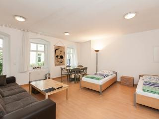3-Rooms Apartment B2 - Berlin vacation rentals