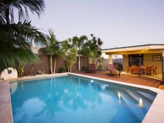 Perfect 4 bedroom House in Mermaid Waters - Mermaid Waters vacation rentals