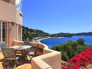 Bright 5 bedroom Villefranche-sur-Mer House with Private Outdoor Pool - Villefranche-sur-Mer vacation rentals