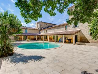 Perfect House with Private Outdoor Pool and Fireplace - Sainte-Anastasie vacation rentals