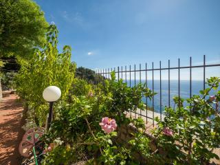 Cottage Dionysus - Taormina vacation rentals