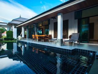 Brand new 3bedrooms pool villa No.1 - Rawai vacation rentals