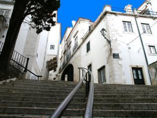 ESTEVAO I - Alfama for 3 ! - Lisbon vacation rentals