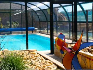 Maison de charme avec piscine chauffée! - Pleubian vacation rentals