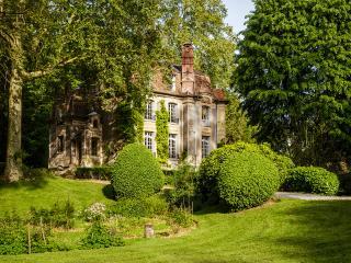 Manoir des Impressionnistes 15 minutes from Paris - Poissy vacation rentals