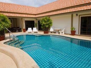 Bang Saray/bang sare siam court sleeps up to 20 - Pattaya vacation rentals