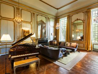 Magnificent private mansion 20 minutes from Paris - Saint-Germain-en-Laye vacation rentals