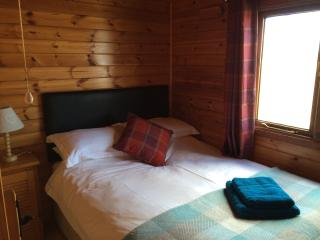 Lovely 2 bedroom Tain Lodge with Internet Access - Tain vacation rentals