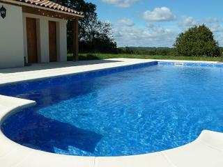 Stunning 5 bedroom villa with private pool (12P+2) - Brossac vacation rentals