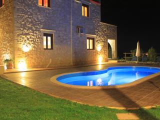 Amazing Villa big private pool & seaview,3bedrooms,wifi,BBQ with outdoor kitchen - Kontomari vacation rentals