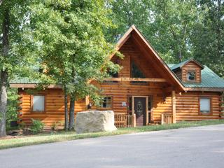 2 Bed All Wood Log Cabin- wifi, hottub SPECIALS - Hollister vacation rentals