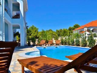 Villa Paklenica**** Pakoštane 4 - Pakostane vacation rentals
