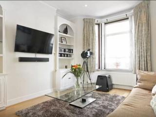 Super 2BD modern flat - Fulham - London vacation rentals