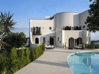 VILLA SCHISO', ON THE SEA, NEAR TAORMINA - Giardini Naxos vacation rentals