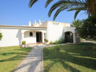 Villa Palmeira V2 350m to the beach - 018M - Porches vacation rentals