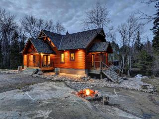 Muskoka True North Log Cabin - Huntsville vacation rentals