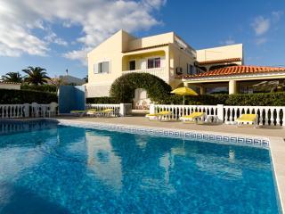 Villa V5 with private pool and snooker - Armação de Pêra vacation rentals