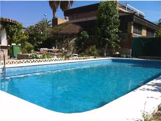 6 bedroom Villa with Internet Access in Benidorm - Benidorm vacation rentals