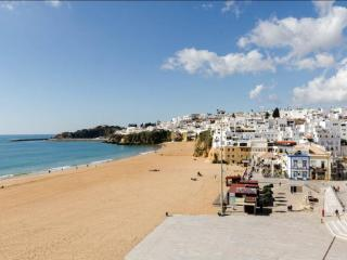 Beach Apartment in Albufeira - 003A - Albufeira vacation rentals