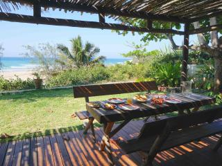 Casa Amendoa - Stunning villa on Tofo mainbeach - Tofo vacation rentals