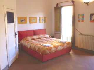 Centre Florence bohemien studio - Florence vacation rentals
