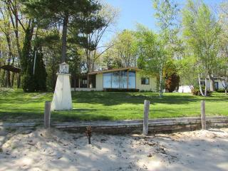 Perfect 3 bedroom Au Gres House with Internet Access - Au Gres vacation rentals