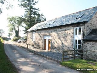 Ashwick Hayloft, Nr Dulverton - Quality coliday cottage in rural location on Exmoor - Dulverton vacation rentals
