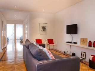Charming 2 bedroom Apartment in Porto - Porto vacation rentals