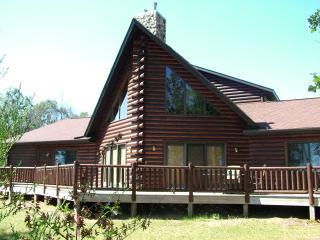 Nana & Papa's Nest on Lake Petenwell - Necedah vacation rentals