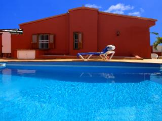 4 bedroom Villa with Internet Access in Maspalomas - Maspalomas vacation rentals