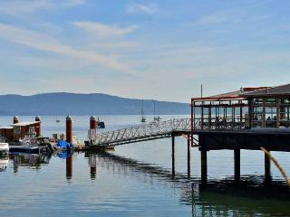 Incredible 3 Bedroom Townhome with Ocean Views on Vancouver Island - Mill Bay vacation rentals
