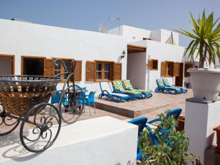 Finca Villanueva / Apt. Canela - Mala vacation rentals