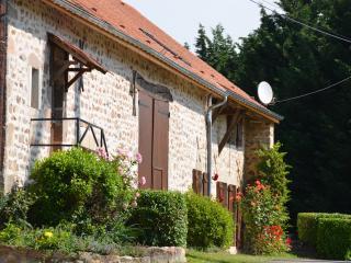 Maison de campagne, gîte de charme à 2h15 de Paris - Saint-Martin-du-Puy vacation rentals