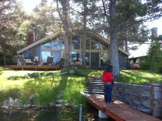 Quaint Tahoe Keys House on waterway. - South Lake Tahoe vacation rentals