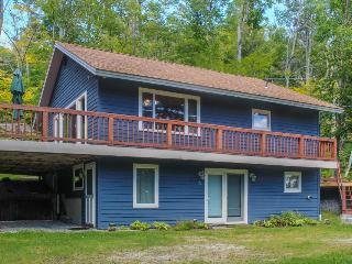 Walk to the slopes in the heart of Sugarbush Village - ski lodge interior! - Warren vacation rentals