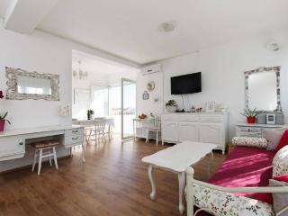 Central Fidelio-Sea view, romance, free parking... - Split vacation rentals