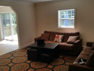 HUGE 5 BR NEAR MT.POCONO AND CAMALBEACH WATER PARK - Mount Pocono vacation rentals