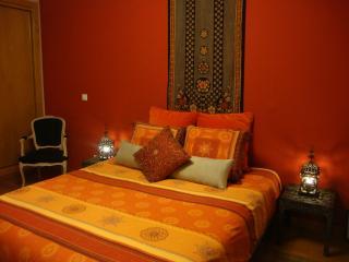 Suite with private bathroom and sea view - Estoril vacation rentals