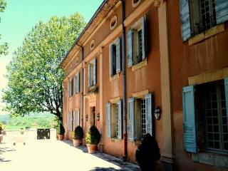 Family-Friendly Luberon Villa with Guest House - Bastide Camille - Apt vacation rentals