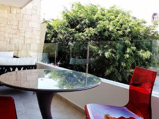 2 Bedroom Apartment in Downtown. Ocean View! - Playa del Carmen vacation rentals