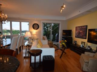 3 Bedroom Luxury Condo in mid to downtown Halifax - Halifax vacation rentals