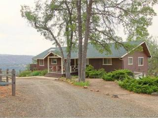 Large Home on Acreage 35 mins from the South Gate - Oakhurst vacation rentals