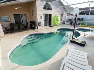 Private Villa on Eagle Pointe, in Disney area, Pool and Spa, Yard, WiFi, BBQ, Direct TY, Toys - Kissimmee vacation rentals