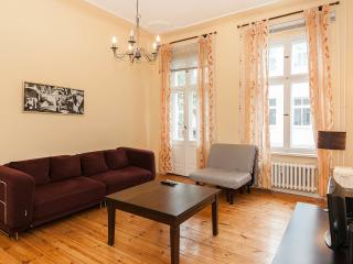 Quiet and Central apartment for 4 , Kurfurstendam - Berlin vacation rentals