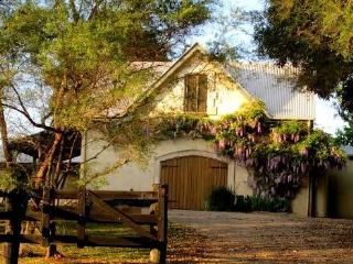 The Barn - French Provincial Accommodation - Federal vacation rentals