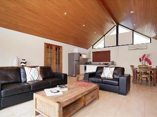 Applecross Swanriver Modern 3 Room - Applecross vacation rentals