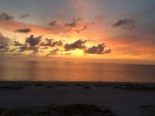 A Weekly Rental Clearwater Beach HarborViewGrande - Clearwater vacation rentals