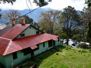 Bright 4 bedroom Dalhousie Bungalow with Satellite Or Cable TV - Dalhousie vacation rentals