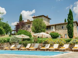 VILLA IL CERRETACCIO with Private Pool - Castelnuovo Berardenga vacation rentals